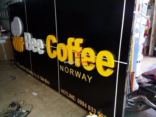 Bảng hiệu alu Chữ Mica uốn nổi - Bee Coffee