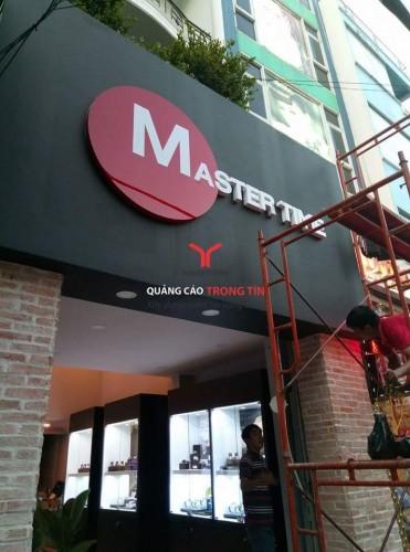 Bảng Hiệu Alu chữ Mica âm đèn Shop Master time